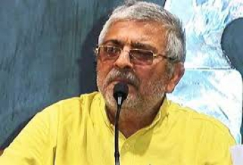 AAP MP Dharamvir Gandhi in Seedhi Gall